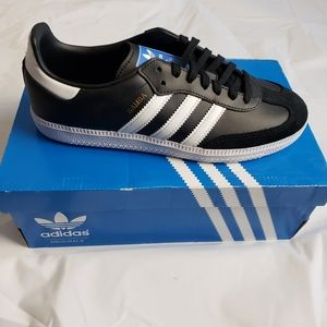 Adidas samba og Youth shoes